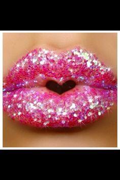 Pink Sparkle Lips love pink heart make up Glitter Make Up, Pink Glitter, Pink Sparkles, Glitter Lipstick, Glitter Gloss, Sugar Glitter, Green Lipstick, Glitter Bomb, Glitter Wine