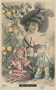 Réjane.  Reutlinger Postcard.  Les Joujoux.  SIP Series 899/4