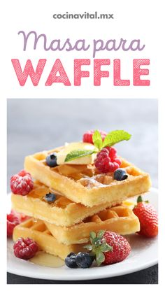 Simple Waffles with Thermomix , Crepes, Waffle Ingredients, Breakfast Recipes, Dessert Recipes, Delicious Desserts, Yummy Food, Pancakes And Waffles, Waffle Recipes, Holiday Desserts