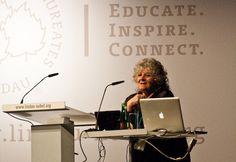 """""""Ada Yonath, en busca de la esencia de la vida"""". La trayectoria vital y profesional de Ada Yonath es una historia de superación ante problemas que harían rendirse a muchos. Su constancia a la hora de estudiar cuando el entorno no era favorable la ha llevado a estar más cerca que nadie de la esencia de la vida y a recibir el Premio Nobel. Por MA Blanco http://irispress.es/mqciencia/2011/12/09/ada-yonath-en-busca-de-la-esencia-de-la-vida/ #ciencia #mujer"""
