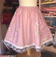 Skjørt i TILDA stoff. Janome, Sewing, Floral, Skirts, Products, Fashion, Moda, Dressmaking, Couture
