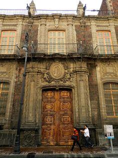 https://flic.kr/p/i3nYcf | Palacio de los Condes de San Mateo de Valparaíso, Ciudad de México - Portada principal