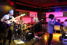 Jueves Live Music