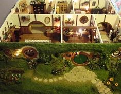 Maddie Chambers spent a year recreating a miniature version of Bilbo Baggins's hobbit hole Bag End. Take a journey into the world of JRR Tolkien with her exquisite handmade work Casa Octagonal, Casa Dos Hobbits, Bilbo Baggins, Fairy Houses, Middle Earth, Lord Of The Rings, Lotr, The Hobbit, Hobbit Art