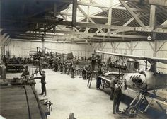 Bréguet Type IV aircraft under construction, 1913 State Street, France, Historical Pictures, Under Construction, World History, Aviation, Aircraft, Concert, Type