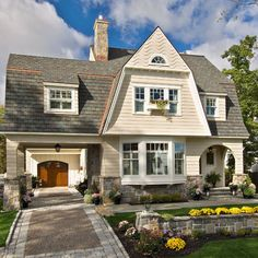 Traditional Exterior Small House Exterior Design, Pictures, Remodel, Decor and Ideas - page 3