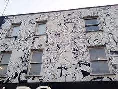 Just Bela day: One day in Camden Town Black And White Building, Black And White Drawing, London Wall, Graffiti Art, Lovers Art, Photo Wall, Gallery Wall, Drawings, Frame