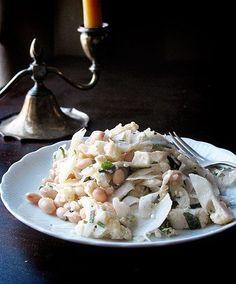 Salata cu fasole alba, conopida si fenicul - www.Foodstory.ro