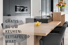 moderne keukentafel van Tinello