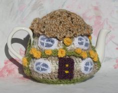 Crochet Thatched Cottage Tea Cosy