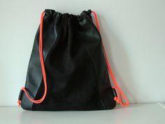 Turnbeutel - Turnbeutel Rucksack LEDER mit Neonkordel, schwarz - ein Designerstück von heydays bei DaWanda