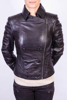 http://www.revacuir.fr/produit-Blouson+Cuir+Femme+LPB+LEANA-4197.html  Blouson en cuir pour femme  Couleur Noir Marque Les Petites Bombes