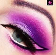 Ideas for Chesire Cat Make-up Purple Eye Makeup, Cat Eye Makeup, Purple Eyeshadow, Natural Eye Makeup, Beauty Makeup, Cheshire Cat Makeup, Chesire Cat, Colorful Makeup, Simple Makeup