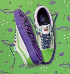 Vans Toy Story Buzz Lightyear Old Skool shoes men's size Vans Disney, Disney Shoes, Disney Outfits, Disney Pixar, Girl Outfits, Custom Vans, Custom Sneakers, Custom Shoes, Sock Shoes