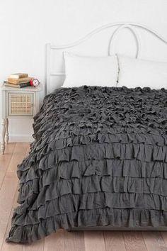 Amazon Com 300tc Solid Dark Grey Queen Ruffle Duvet Set