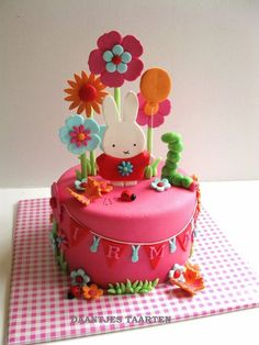 A miffy cake for a girls 1e birthday!