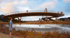 "64North to Construct ""Sparkling"" Palo Alto Pedestrian Bridge Over Highway 101"