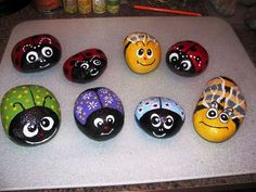 Painted Rocks Ideas - There's a rock painting fad sweeping the world and if you haven't heard of it, then it's possible you've been living under a rock! Rock Painting Patterns, Rock Painting Ideas Easy, Rock Painting Designs, Paint Designs, Paint Ideas, Dot Painting, Painting For Kids, Stone Painting, Shell Painting