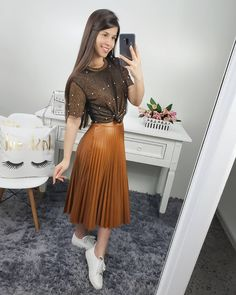 30 comfy spring outfits for your everyday look. Modest Wear, Modest Outfits, Skirt Outfits, Modest Fashion, Skirt Fashion, Casual Outfits, Cute Outfits, Fashion Outfits, Fashion Fashion
