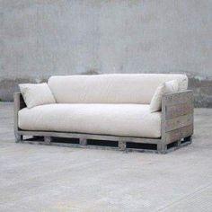 Que tal esse sofá na sua sala? Traga sua idéia para a #Bunkerecodesign #tendencia #ecodesign #designinterior #sofa Fonte: pinterest