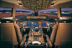 Airplane Boeing 777-200 Flight Deck
