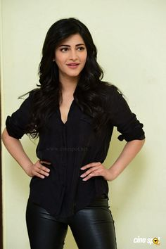 Shruti Latest Photos (7)