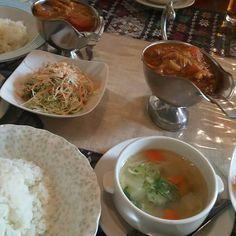 おしゃれ美女とご一緒にカンボジア料理独特でおいしかった向かう先を話せる時間幸せさてまとめよう()