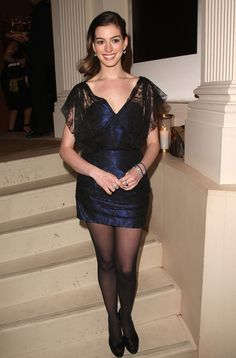 Celebs in Pantyhose - Nylons - Stockings : Anne Hathaway in black pantyhose Anne Hathaway Photos, Anne Hathaway Legs, Nylons And Pantyhose, Sexy Legs And Heels, Anna, Cozy Fashion, Black Tights, Classy Women, Beautiful Celebrities