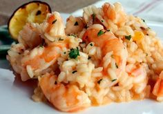 Lemon Shrimp Risotto The sous vide technique consistently cooks shrimp to optimal texture and flavor, so it's never tough or rubbery. We frequently indulge in this shrimp and risotto dish on summer… Seafood Dishes, Seafood Recipes, Dinner Recipes, Cooking Recipes, Rice Recipes, Pesco Vegetarian, Seafood Risotto, Sous Vide Cooking, Gastronomia