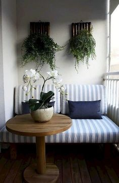 30 Comfy And Cozy Outdoor Balcony Decorating Ideas - Balcony Garden Apartment Balcony Garden, Interior Balcony, Apartment Balcony Decorating, Balcony Furniture, Apartment Balconies, Cozy Apartment, Room Interior, Interior Design Living Room, Living Room Decor