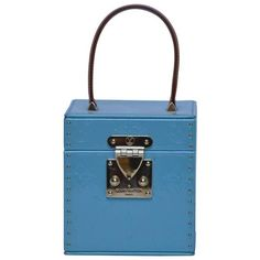 Preowned Louis Vuitton Vernis Bleecker Mini Trunk Clutch Box Mini Bag ($899) ❤ liked on Polyvore featuring bags, handbags, clutches, blue, novelty bags, louis vuitton clutches, louis vuitton handbags, genuine leather handbags, leather purses and louis vuitton pochette