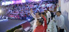 El gobernador Javier Duarte de Ochoa inauguró este jueves la Olimpiada y Paralimpiada Estatal 2015, que contará con la participación de casi tres mil 500 deportistas veracruzanos, y cuya duración se extiende hasta el 01 de marzo.