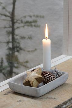 Kerzenhalter aus Zement grau von Ib Laursen