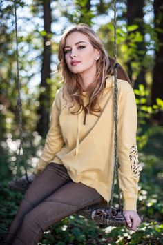The Christie in Mustard – evy's tree