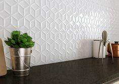 Muchas veces concebimos los suelos negros como un reto para la luz. Austral es la colección ideal para no renunciar a la luminosidad de las estancias con suelos oscuros. Light Walls, Floors, Tile Floor, Wall Lights, Texture, Crafts, Home, Dark Flooring, White Tiles