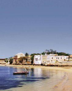 Au Mozambique le temps retrouvé - Le premier de ces trésors se situe à 200km à lest de Nampula face à Madagascar. Lîle de Mozambique qui a donné son nom au pays est lancienne capitale du temps de la colonisation portugaise. - http://ift.tt/2pjYfjZ - #ino-actu-lemonde-mlemag ifttt m le mag : toute l\'actua - March 16 2018 at 08:32AM