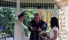 Lovely intimate Jewish Ceremony at Sundy House in Delray Beach with Harpist Esther Underhay @theelegantharp @sundyhouse #delraybeachwedding #sundyhousewedding #southfloridawedding #gardenwedding #jewishwedding