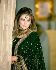 Pakistani Bridal Hairstyles, Pakistani Bridal Makeup, Pakistani Wedding Outfits, Indian Bridal Outfits, Beautiful Pakistani Dresses, Beautiful Dresses, Beautiful Eyes, Bridal Hairdo, Bridal Makeover