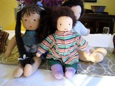 These free Waldorf Doll Patterns are perfect for a dollmaker who has a love for these adorable creations! Diy Waldorf Toys, Waldorf Dolls, Baby Knitting Patterns, Doll Patterns, Sewing Patterns, Craft Business, Business Ideas, Spirited Art, Children Play