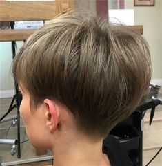 Stylish 36 Astonishing Back View Short Pixie Haircut Hairstyle Ideas To Try Asap Short Hairstyles Fine, Short Pixie Haircuts, Hairstyles Haircuts, Pretty Hairstyles, Hairstyle Ideas, Short Hair Cuts For Women, Short Hair Styles, Short Copper Hair, Short Hair Back View