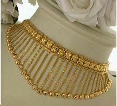 Gold Wedding Jewelry, Gold Jewelry Simple, Gold Rings Jewelry, Gold Bangles Design, Gold Earrings Designs, Gold Jewellery Design, Necklace Designs, Gold Mangalsutra Designs, Jewelry Patterns