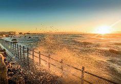 Muizenberg sunrise splashes