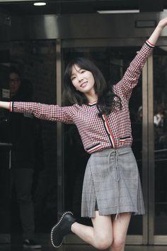 #taeyeon #snsd Snsd, Seohyun, Girls' Generation Taeyeon, Girls Generation, Law School Fashion, School Style, Asian Fashion, Look Fashion, Kim Tae Yeon