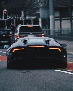 "72.3 mil Me gusta, 124 comentarios - CarLifestyle (@carlifestyle) en Instagram: ""Dark Bull. [ Photo by @basel.cars ] #carlifestyle"""