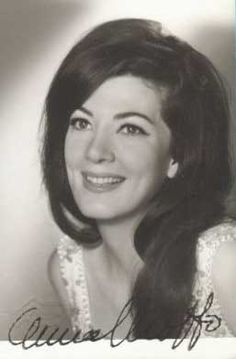 Anna Moffo - absolutely gorgeous Yes, she had movie star looks! Her early loss of her voice was tragic.