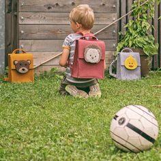 Vetores de Material Escolar Mochilas Set Vector Crianças Com A Mochila Coleção Plana e mais imagens de Acessório