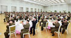 조선로동당 중앙위원회가 대륙간탄도로케트《화성-15》형시험발사성공에 기여한 성원들을 위한 축하연회 마련
