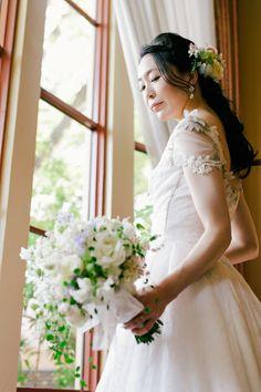 昨年の11月、代官山のリストランテASO様での結婚式。 花嫁様がくださったこのブーケの写真は、   後日、一冊のアルバムの表紙を飾り、 そう...