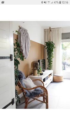 houseplants plants decor home decor interior style plant corner pilea peperomioides nordic style scandinavian living vintage style urban jungle Living Room Inspo, Bedroom Inspirations, Bedroom Makeover, Home And Living, House Decor Modern, Home Living Room, Rustic Home Design, Colorful Interiors, House Interior