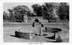 Sayre Oklahoma~City Park Tower~Fountain Ring~1940s B&W Postcard